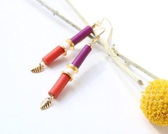 BOUCLES JUNE   cuirs violet et rouge, nacre rose, plaqué or
