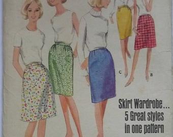 """vintage sewing Patterns. Butterick 3999. Skirt pattern, waist 30""""- 76cms"""