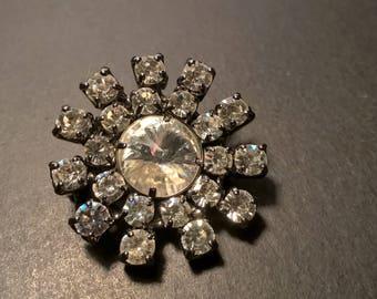 Vintage Crystal Rhinestone Star / Brooch Pin / Estate Jewelry