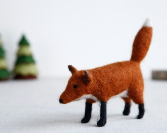 Needle Felt Fox Kit - DIY Craft Kit