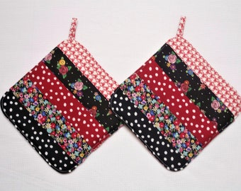 Red & Black, Insulated Pot Holders, Set of 2, Hot Pad, Trivet, Potholder, For the Kitchen, For the Cook