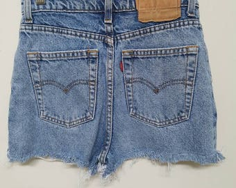 Vintage Levis // Denim Cutoff High Waisted Style // Womens Small Size 6