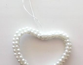 HEART has pearl - white beads hanging REF. 503