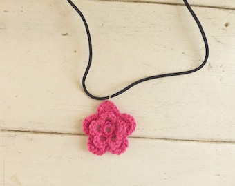 Crochet rose pendant, crochet necklace, crochet jewelry, Irish rose crochet, hot pink pendant, cute necklace, gift idea, ready to ship