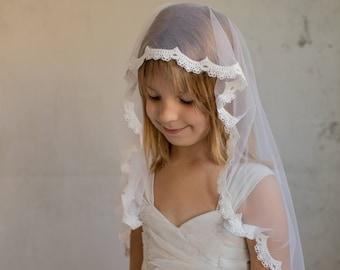 Mantilla First Communion Veil, First Communion Hair Accessory, Holy Communion Vail, Communion Vail, Communion Veil