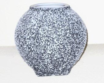 1950s KENWOOD SHAWNEE CONFETTI Round Vase  Black and White Mid Century Pottery