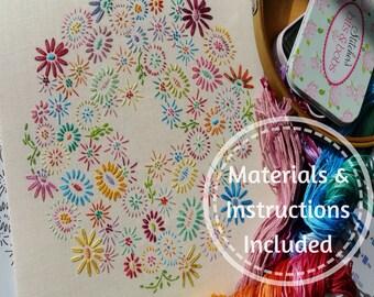 Endgültige Anfänger traditionelle Transfer Stickerei Kit 'Anfänger Blossoms' (hell) * Neulinge starten hier! *; Schöne Bausätze von Maggie Gee