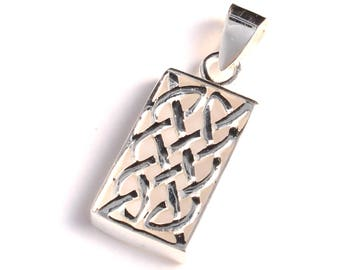 Rectangular pendant of silver Celtic knot made of 925 sterling silver
