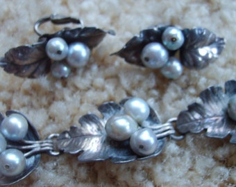 Vintage Mings of Honolulu Bracelet and Earrings, Estate Jewelry, Sterling Silver with Black Cultured Pearl Bracelet & Earrings