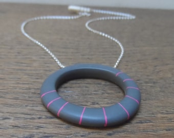 Big hoop pendant - charcoal with cerise stripes
