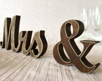 Dark wood finish rustic sign Mr & Mrs for wedding top table decor. Rustic Wedding Signage. Rustic sign. Mr and Mrs dark wood finish sign.