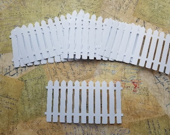 Die Cut White Picket Fence.      #H-60