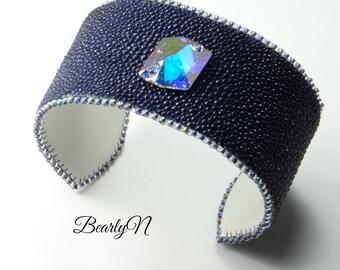 Bracelet leather shagreen ultraviolet, Swarovski Crystal, double white calfskin, glam-rock style, ultra violet pantone