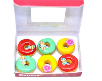 Dollhouse miniature donuts,Miniature scale 1/12 dollhouse donut box,Miniature donut box,Miniature donuts,Dollhouse donuts,Miniature food