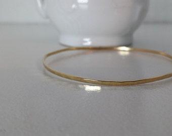 14k Gold Skinny Hammered Bangle Bracelet - SOLID GOLD