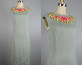 Vintage 1960s Dress 60s Sage Green Linen Shift Dress with Embroidered Collar by Sportempos Size 6/M