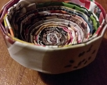 3in recycled magazine bowl