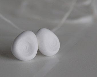 White matryoshkas ear studs