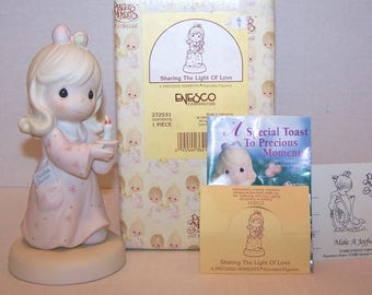 Precious Moments. Sharing the Light of Love. 1997. 272531. Excellent Condition.