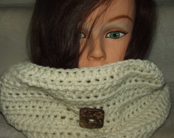 Chic Creamy Dreamy Hand Crocheted Neckwarmer