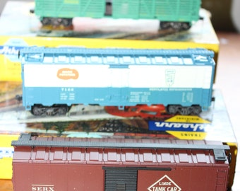 Set of 3 Athearn Model Railroad Cars -- Box Car, Freight, Refrigerator-- HO Scale -- Linde, Bangor Maine, AT & SF -- Car, Train