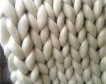 Blanket, Throw, Chunky Knit Throw, Super Chunky Knit blanket,  Merino Wool blanket, Arm knit blanket, Giant knit