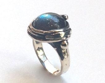 Labradorite ring, Sterling silver ring, green gemstone ring, oxidized ring, organic statement ring, cocktail ring - Notorious Wind R1470-12