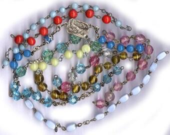 perle de Rosaire vintage des restes assorties antique pièces assortiment ancien Rosaire chaîne pièces dix teintes assorties verre coloré