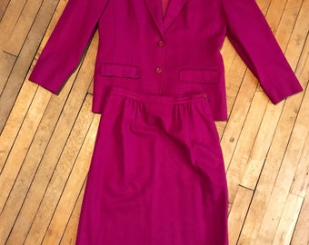 Vintage Pendleton // Womens High Waist Two Piece // Business Suit // Pure Virgin Wool // Fuscia// Made in the USA // matching set // size 8