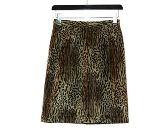 1980s vintage green velvet leopard print skirt - vintage clothing