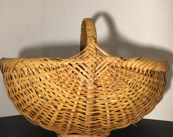 Reduced/Vintage Handmade Wicker Basket.