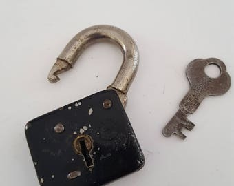 Vintage 1930's Eagle Lock Co padlock, light duty, black body and one key. Terryville, Connecticut
