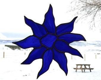 Bleu royal teinté verre Suncatcher - tournesol - verre à la main décor - contemporain