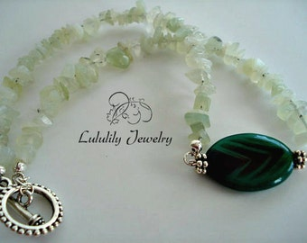 Jade Necklace, Green Beaded Necklace, Agate Pendant Necklace
