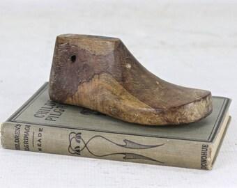 Vintage Wooden Shoe Form ,Childs Shoe Form, Wooden Baby Shoe Form, Baby Shoe Wooden Shoe Form Nursery Decor, Wooden Shoe Form Wood Shoe Form