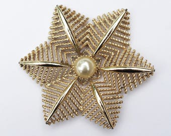 Vintage Gold and Faux Pearl Starflower Brooch
