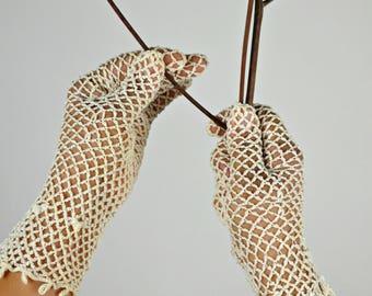 Vintage Crochet Gloves, Wedding Gloves, Crochet Bridal Gloves, Victorian Gloves, 1940s Gloves, Steampunk Gloves, Formal Gloves,