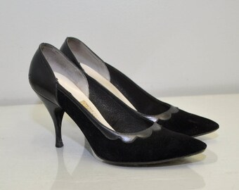 Vintage 50s Black Heels   Scalloped Stiletto   Town & Country   Size 5