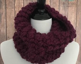 Chunky crochet cowl, trendy winter cowl, burgandy puff stitch cowl, gray chunky cowl, gray winter scarf, chunky gray winter scarf