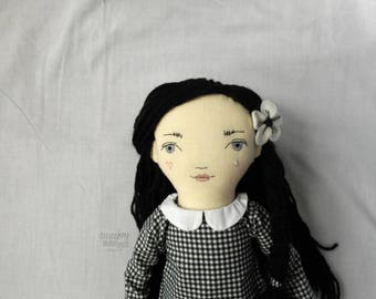 """PRÊT à expédier - Celeste - 20"""" héritage, One-of-a-kind, poupée en tissu - Pierrot - noir et blanc - une poupée de chiffon - fait main - Fashion - Decor"""