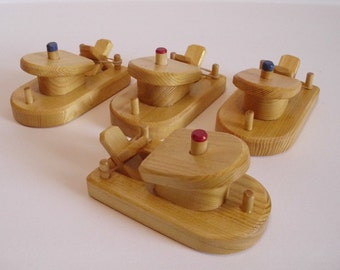 Wood Toy Small Paddle Boat Set of 4, Rubber Band Powered Wooden Bathtub Boat, Handmade Kids gift,Waldorf inspired, Jacobs Wooden Toys