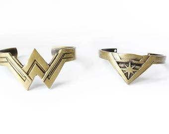 Wonder Woman Wrist Cuffs 4 piece set