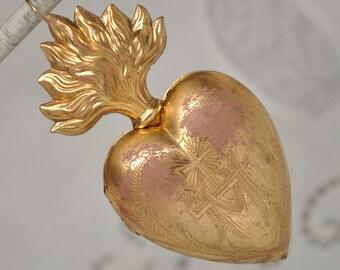 Rare Antique Ex-Voto Engraved M for Mary Sacred Heart Reliquary Locket