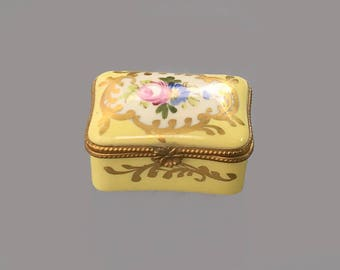 Limoges Porcelain Trinket box; Vintage French Porcelain pill box; Yellow Trinket box; Gift idea; Gift for her; Box with domed lid
