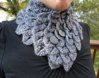 CROCHET PATTERN: Crocodile Dragon Stitch Neckwarmer - Permission to Sell Finished Product