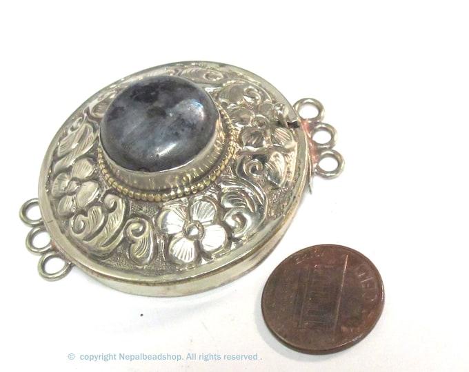 1 clasp - Large round shape ethnic Tibetan silver finish labradorite gemstone inlaid statement clasp pendant  from Nepal - LN041B
