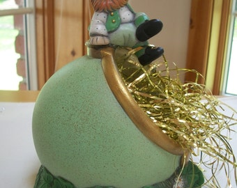 Leprechaun Pot of gold ceramic shamrock candy dish,St Patrick's Day decoration
