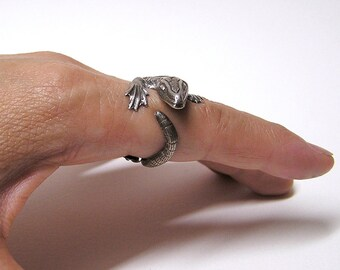 Komodo Dragon Ring in Sterling Silver .925, dragon body wrap around finger