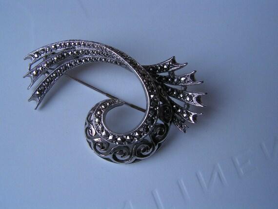 Lovely vintage Kigu silvertone marcasite brooch