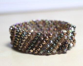 Embellished Netted Bracelet - gold/bronze/green metallic tones